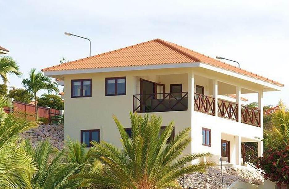 Upperstay | Wil je een villa huren op Curaçao van 2 tot 6 personen? Wij verhuren onze luxe villa op Curaçao in de villawijk Vista Royal in JanThiel.